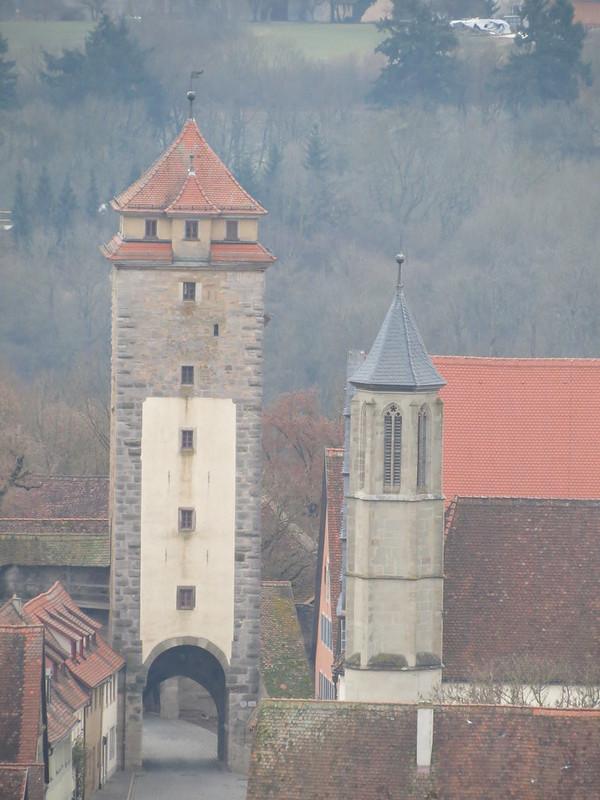 Aussicht von Rathausturm auf Spitalturm und Heilig-Geist-Kirche<br /> IMG_8035