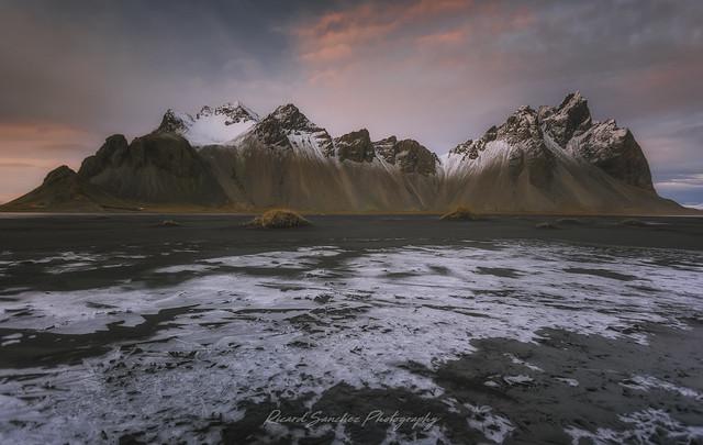 Vestrahorn sobre el hielo