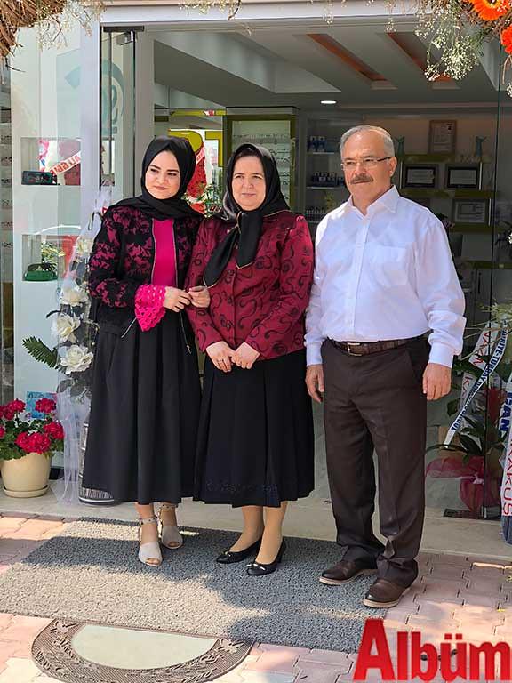 Nefise Paşaalioğlu, Emine Paşaalioğlu, Ahmet Paşaalioğlu