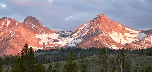 Sawtooth Mountains Sunrise