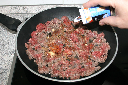 17 - Hackfleisch würzen / Season ground meat