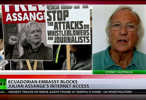 John Pilger: Blocking Internet Access for Julian Assange is a War on Freedom of Speech