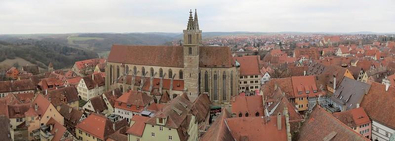 Aussicht von Rathausturm auf Stadtpfarrkirche St. JakobIMG_8001 Panorama