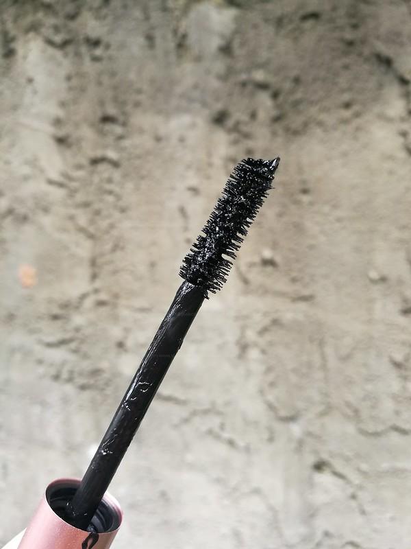 Loreal voluminous lash paradise mascara black