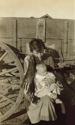 Motherly Love eases Oklahoma Dust-bowl Hardship