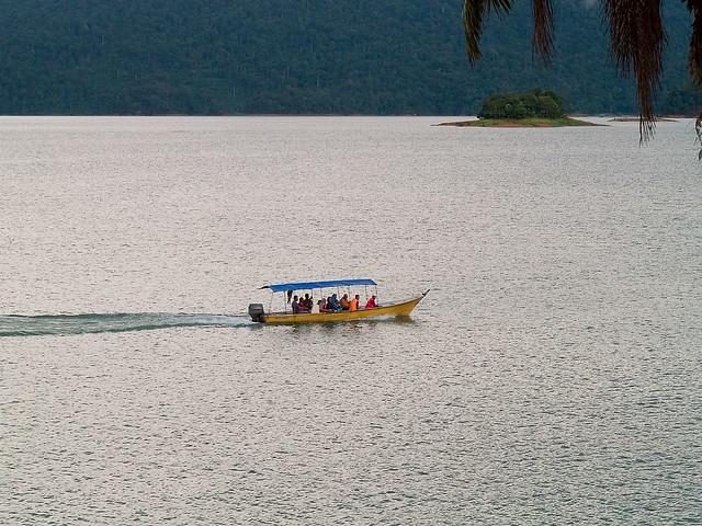 KenyiR Lake ترينغانو 236551169_1d4e0aa046