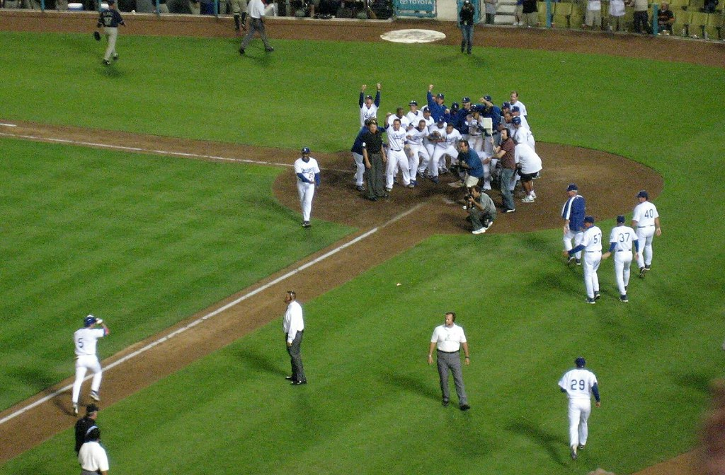 nomar's walkoff. i almost cried.