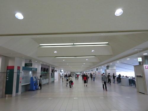 福島競馬場の3階コンコース