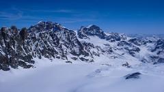 Widok z Piz  Malenco 3400m. na lodoweic Vadretta di Scerscen Inferiore, Piz Roseg 3987m., Pioz Bernina 4048m., Piz Sella 3511m., Crest Aguza 3854m.