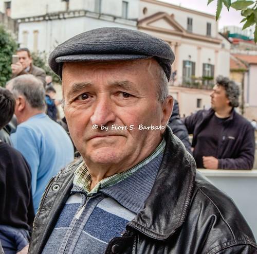 Acerra (NA), 2018, La processione del Venerdì Santo: spettatori.