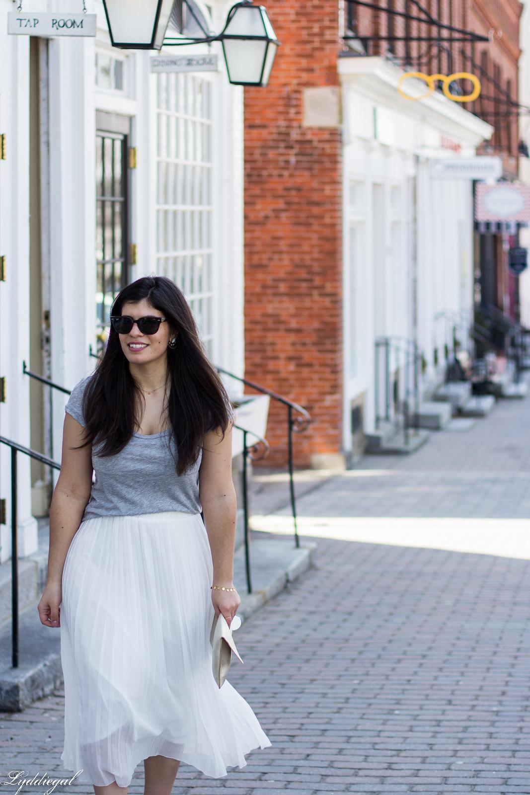 white pleated midi skirt, grey tee, nude heels, scalloped clutch-10.jpg