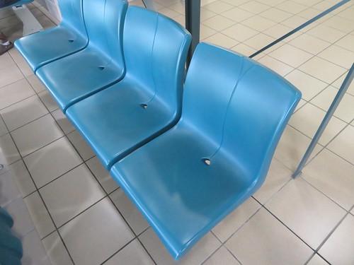 福島競馬場の3階一般席の座席