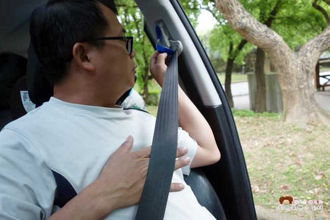 便利插/安全帶固定片/調節安全帶/汽車用品 (1).JPG
