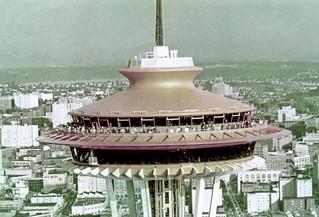 Obrázek Space Needle. seattlemunicipalarchives seattle spaceneedle seattlecenter century21 worldsfairs 1960s