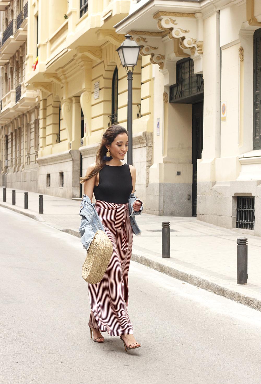 striped palazzo trousers uterqüe zara bodysuit denim jacket spring outfit 201809