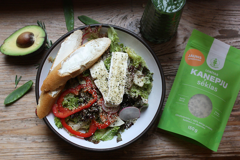 Lobitu kanepju salati ar brie sieru