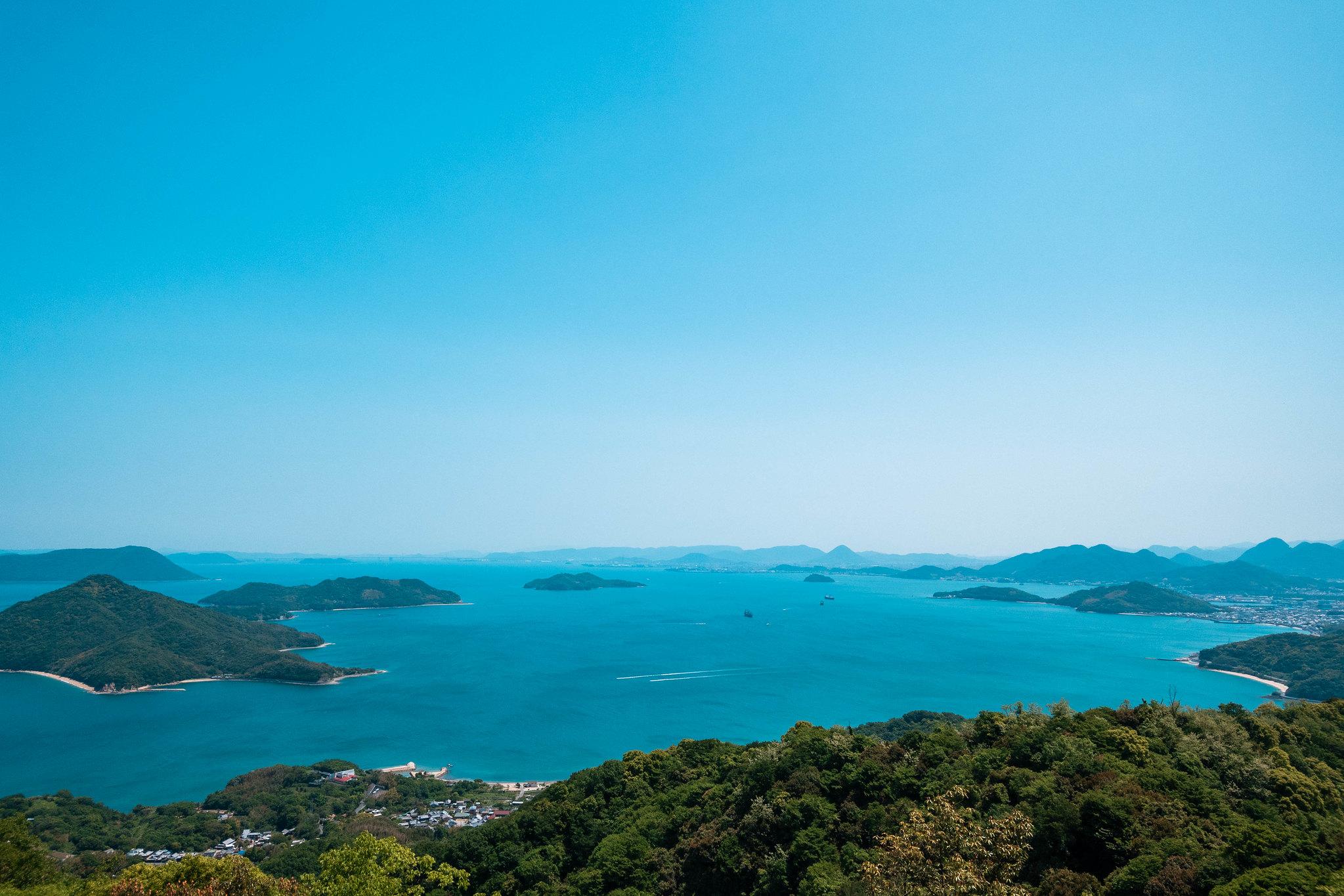 荘内半島から見る瀬戸内海の島と海