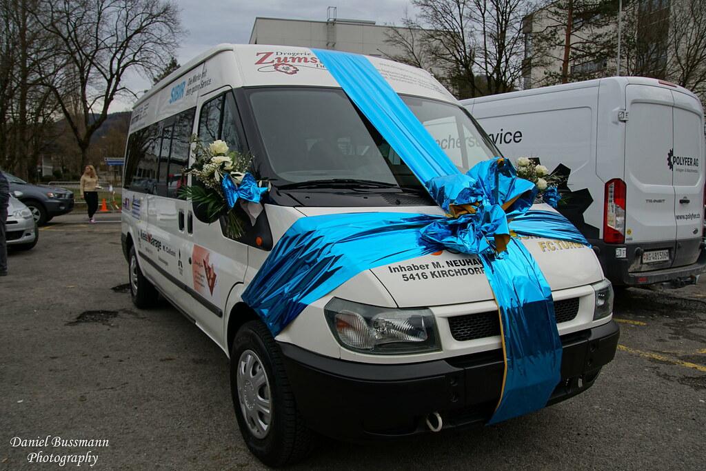 Übergabe Mannschaftsbus
