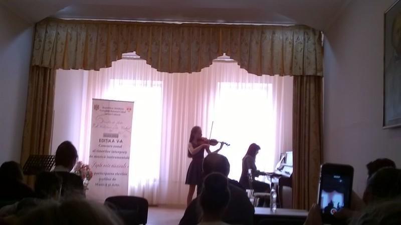 """Concursul zonal al interpreților instrumentiști,, Șapte note muzicale"""""""