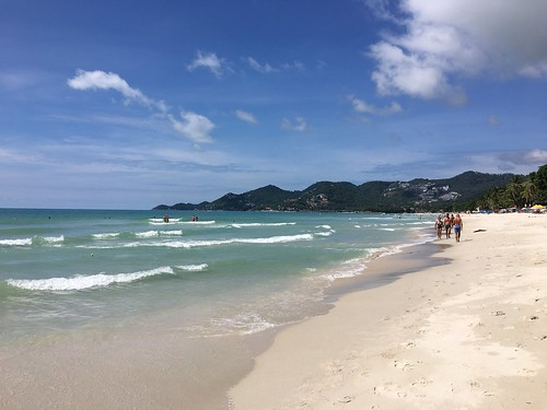 今日のサムイ島 5月1日 お天気不安定でもコサムイの食を楽しもう!