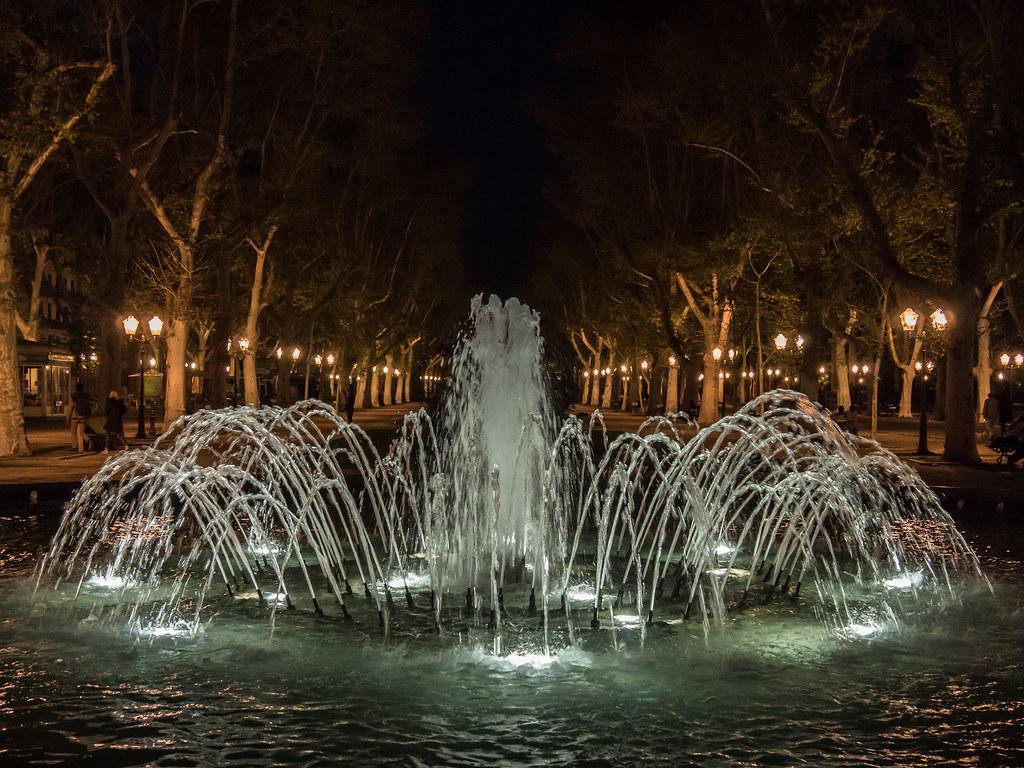 Montpellier : ville d'ombre et de lumière... La suite 40789820445_ea702c62bb_b