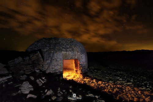 Living the night like a shepherd. The building is a traditional dry-stone hut (locally known as