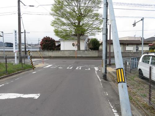 福島競馬場の東口を通り過ぎてさらに進む