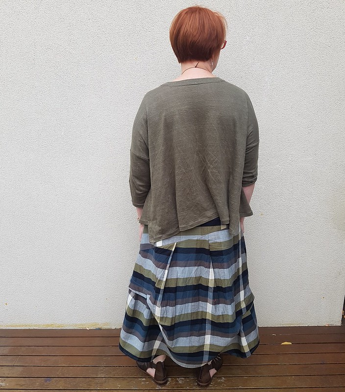 Vogue 9161 top in linen knit from Rathdowne and skirt in check cotton from Darn Cheap