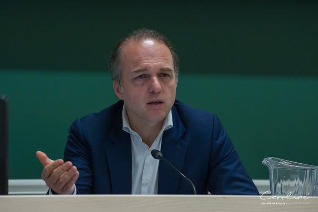 Le Congrès de la Haye de M. Y. Bertoncini.10 avril 2018