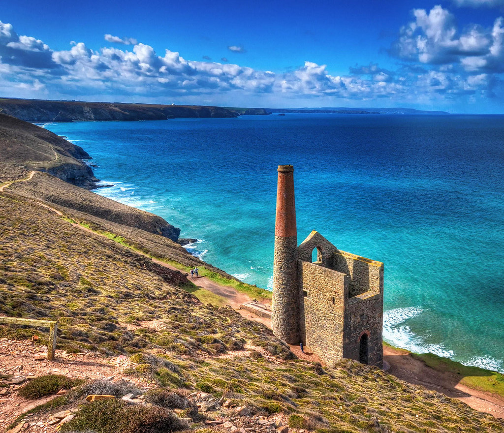 Cornish tin mine at Chapel Porth. Credit Baz Richardson, flickr