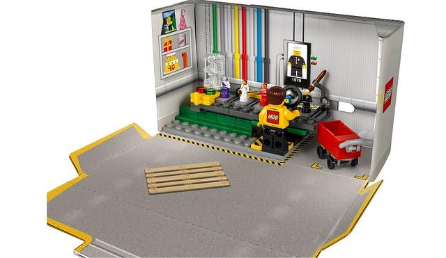 5005358 LEGO Minifigure Factory 2