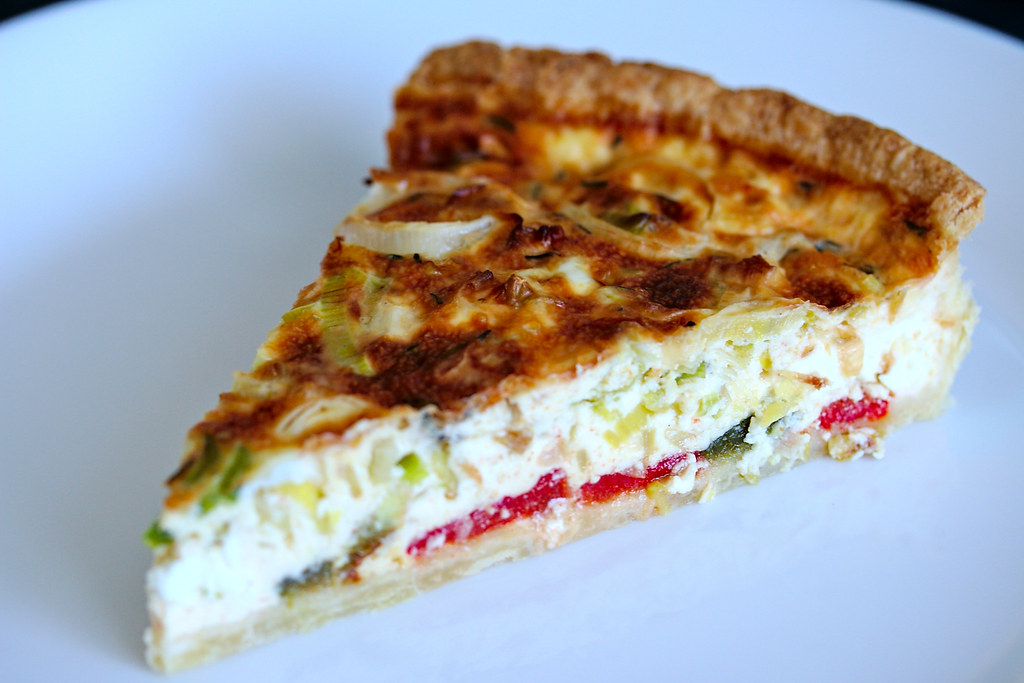 Roasted Pepper and Leek Quiche recipe   french baking   platedpalate.com