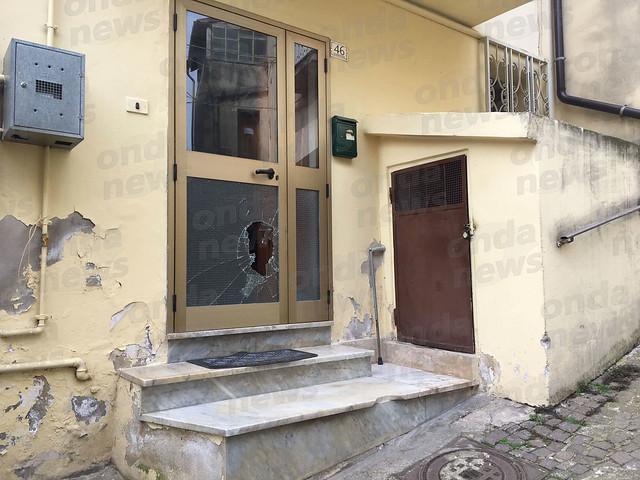 atto-vandalico-vietri-di-potenza-15-aprile-2018-1