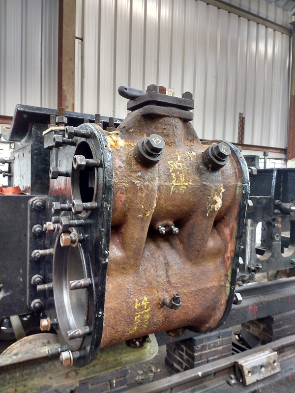 699.01 LHS Cylinder