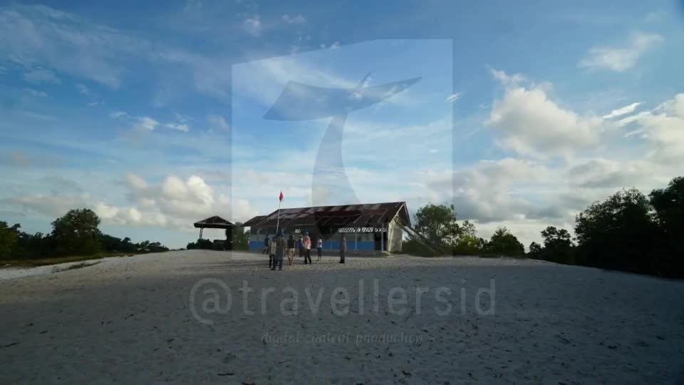 SD Laskar Pelangi Replica at Belitung Timur