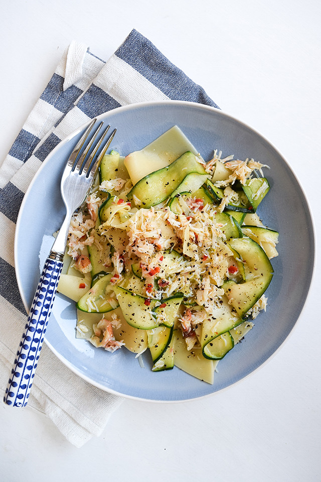 Easy Broken Pasta with Lemony Crab & Courgette #pasta #crab #seafood #courgette #zucchini #seafood #dinnerparty #starter #appetizer