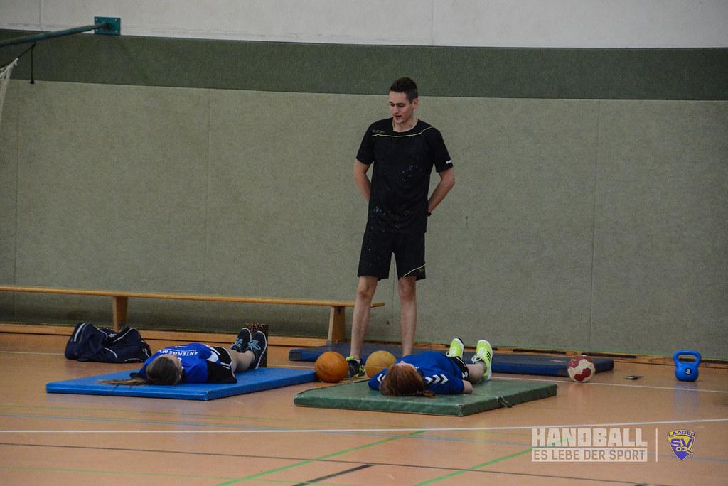 20180523 Laager SV 03 Handball wJD - Übergabe Pullover (5).jpg
