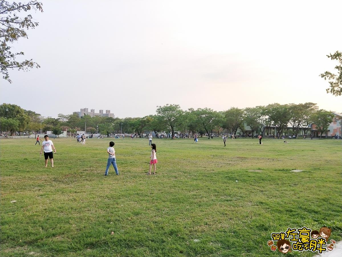 衛武營親子一日遊-最大沙坑池-19