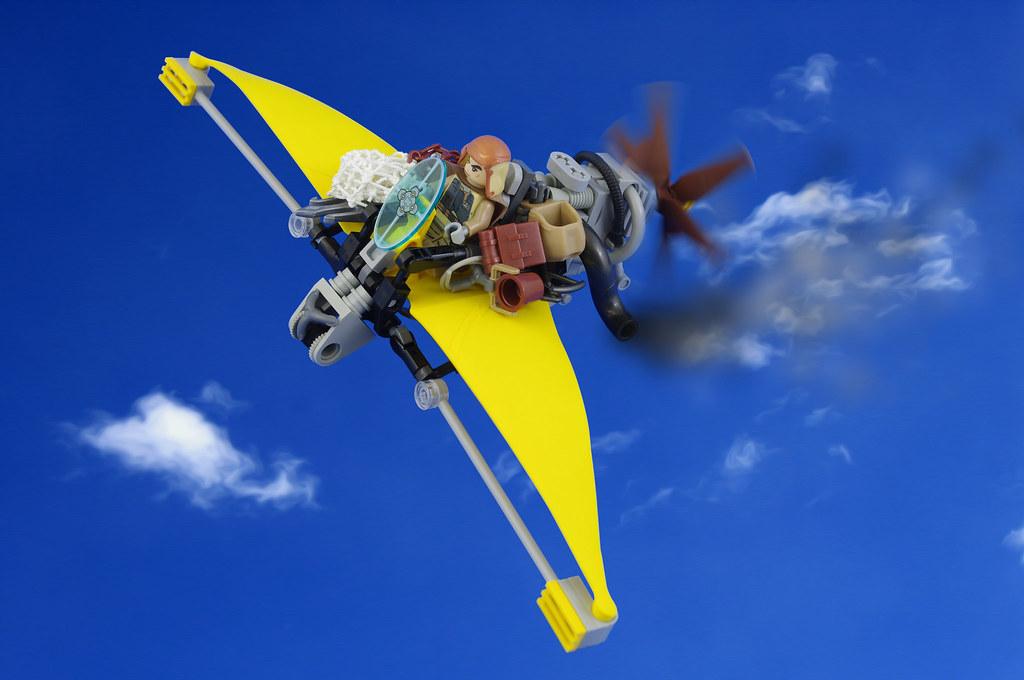 Karl and his Mariposa aircraft (01)