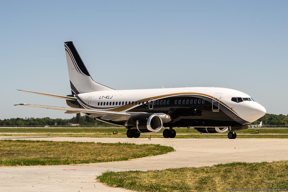 Boeing 737-500 LY-KLJ KlasJet