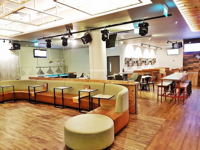 7th Heaven KTV & Cafe Interior
