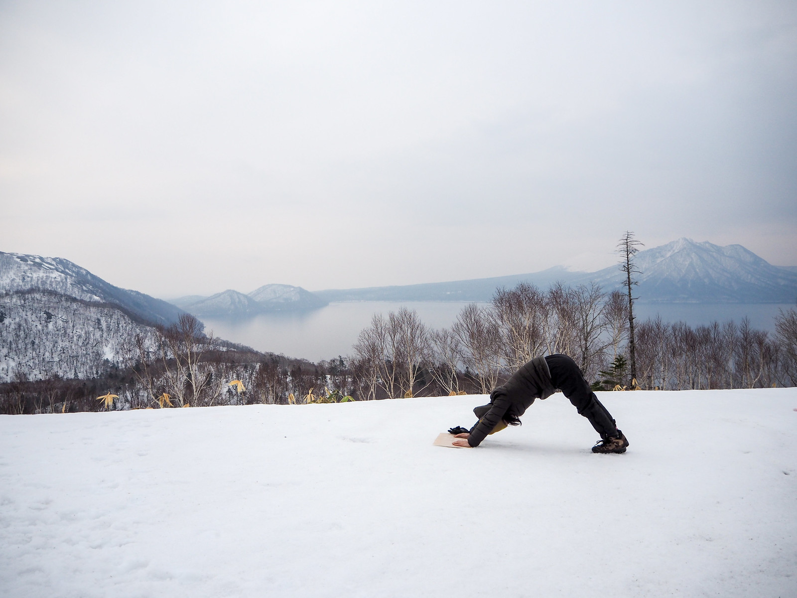 Morning yoga on Mt. Ichankoppe next to Lake Shikotsu (Hokkaido, Japan)