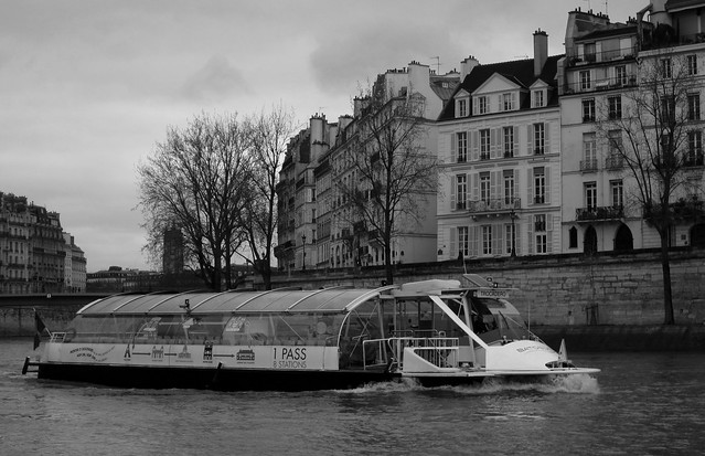 On the Seine, Canon POWERSHOT A1200