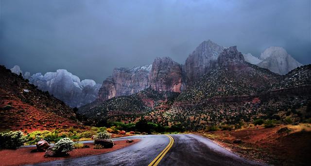 On the road, Nikon D700, AF-S VR Zoom-Nikkor 24-120mm f/3.5-5.6G IF-ED