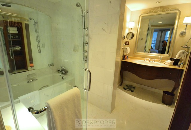 park hyatt saigon bathroom and shower