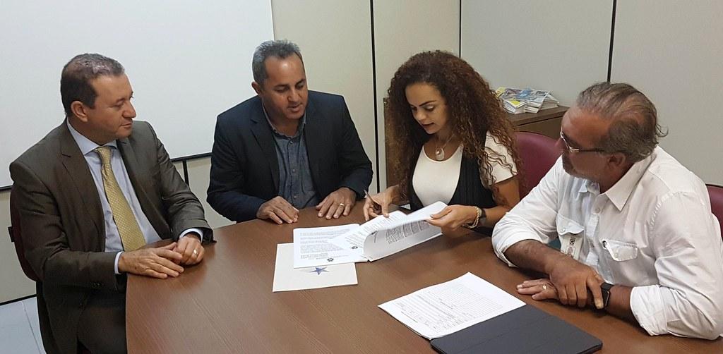 Governo vai asfaltar trecho urbano da PA-441, em Terra Santa; convênio assinado, Doca Albuquerque
