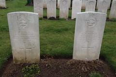 WARLOY-BAILLON COMMUNAL CEMETERY EXTENSION. - Photo of Vadencourt