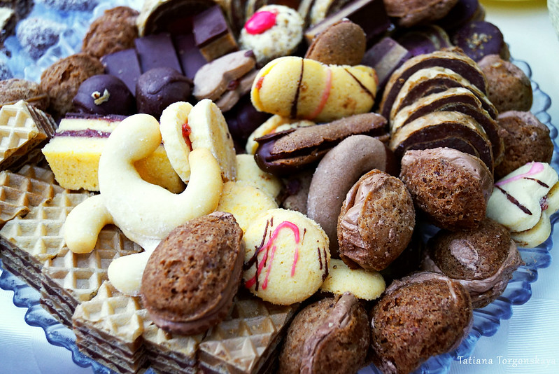 Блюдо со сладостями
