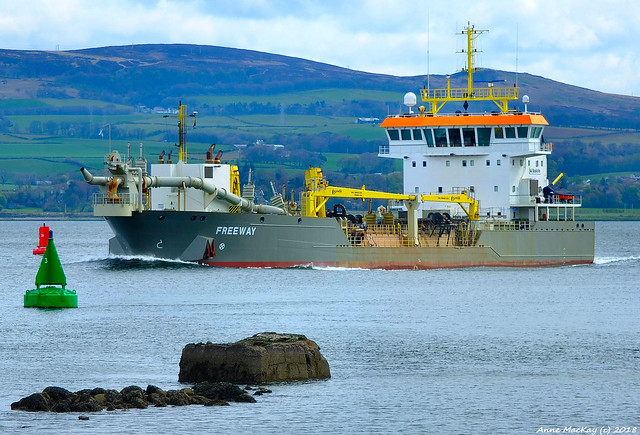 Scotland Greenock hopper dredger, Fujifilm X-S1