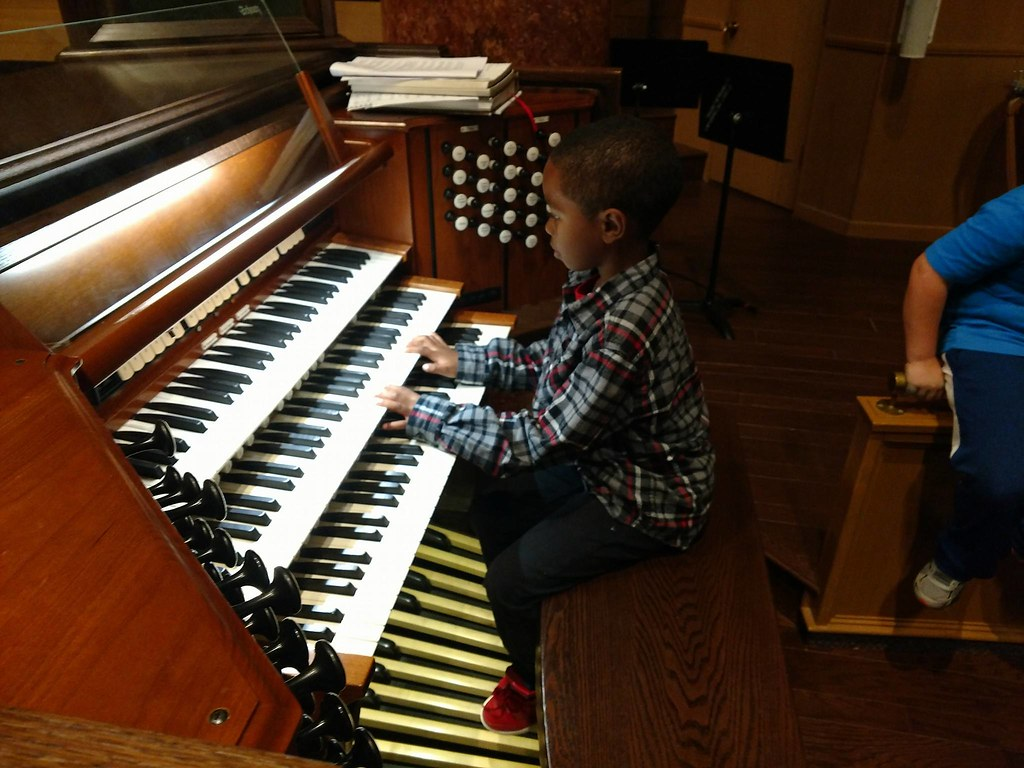 Pipe organ is teaching tool at Lincoln First UMC, Nebraska Wesleyan